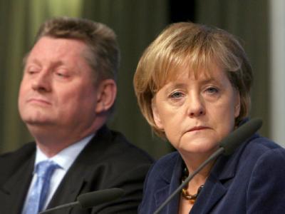 Bundeskanzlerin Angela Merkel zusammen mit CDU-Generalsekretär Hermann Gröhe.