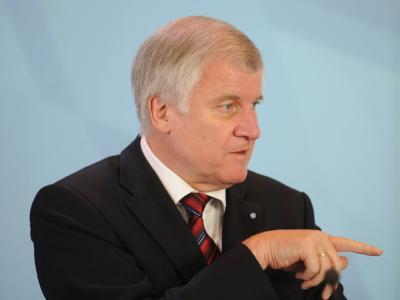 Für Horst Seehofer ist der Fortbestand der Regierungskoalition von einer Erholung der FDP abhängig.