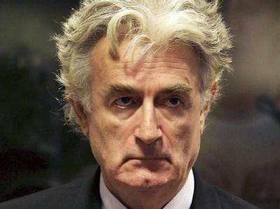 Radovan Karadzic werden Völkermord, Verbrechen gegen die Menschlichkeit und Kriegsverbrechen vorgeworfen.