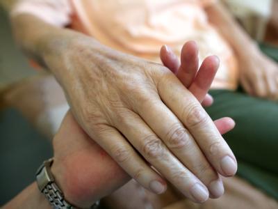 Die rund 600000 Beschäftigten in der Pflegebranche werden nach Ansicht von Minister Scholz noch dieses Jahr einen Mindestlohn erhalten.