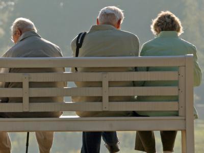 Offenbar haben zahlreiche Rentner in den vergangenen Jahren zu viele Steuern gezahlt und können mit Rückzahlungen vom Finanzamt rechnen. (Symbolbild)