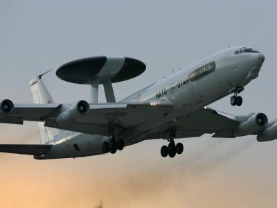 AWACS-Aufkl�rungsflugzeug
