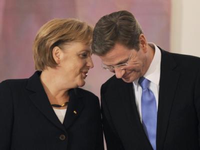 Bundeskanzlerin Merkel und Vize-Kanzler Westerwelle am Mittwoch im Schloss Bellevue in Berlin.