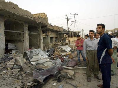 Iraker am Ort eines Terroranschlags. (Archivbild)