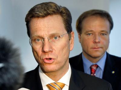 Der FDP-Vorsitzende Guido Westerwelle und FDP-Generalsekretär Dirk Niebel. (Archivbild)