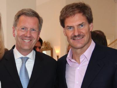 Christan Wulff, damals Ministerpräsident von Niedersachen, im Jahr 2009 bei der Feier zum 50. Geburtstag des AWD-Gründers Carsten Maschmeyer. Foto: Rainer Droese