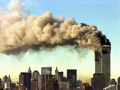 Rauchende Twin Towers: Vor genau zehn Jahre brachten islamistische Terroristen die Türme des World Trade Centers zum Einsturz.