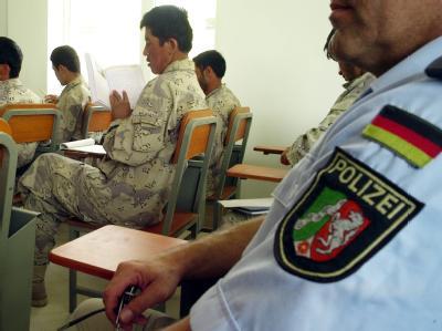 Afghanische Grenzpolizisten bei einer Ausbildungsstunde in Masar-i-Scharif. (Archiv- und Symbolbild)