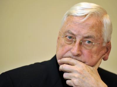 Der Bischof von Augsburg, Walter Mixa, während einer einer Pressekonferenz Ende Februar.