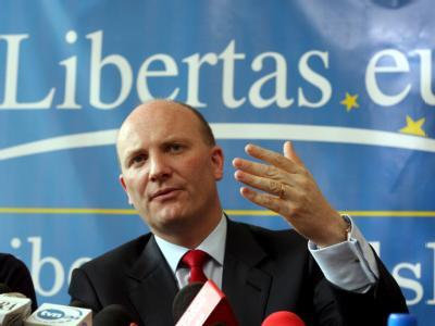 Declan Ganley gibt seine Kampagne gegen den Vertrag von Lissabon auf.