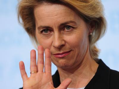 Ursula von der Leyen verteidigt die Rente mit 67 gegen Kritik aus der SPD. (Archivbild)