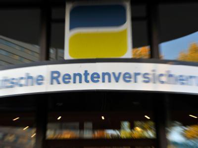 Die Senkung des Rentenbeitragssatzes wird immer wahrscheinlicher. Foto: Gero Breloer/Archiv