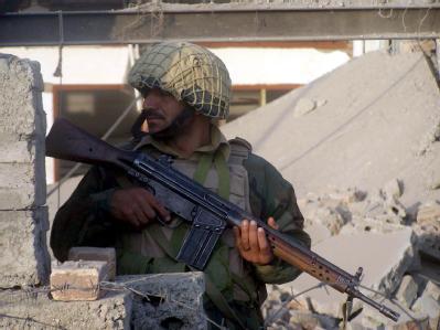Die USA ziehen im Anti-Terror-Kampf die Daumenschrauben an. Washington will nach einem Pressebericht die Militärhilfen für Pakistan massiv stutzen. (Archivbild)