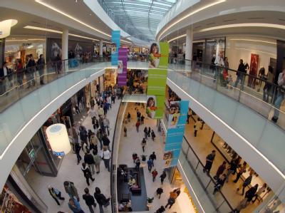Kunden in einem Einkaufszentrum: Die Verbraucherstimmung