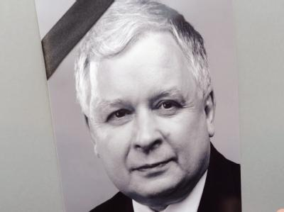 Präsident Kaczynski ist bei einem Flugzeugabsturz ums Leben gekommen.