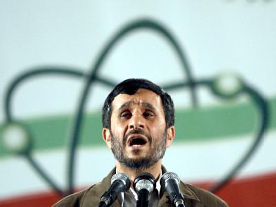 Irans Präsident Ahmadinedschad (Archivbild) ist mit der neuen US-Nuklearstrategie unzufrieden.