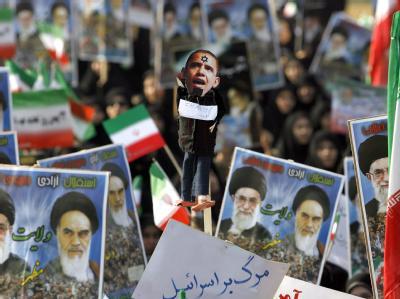 Blick auf eine Demonstration zum Jahrestag der Islamischen Revolution in Teheran am Donnerstag.