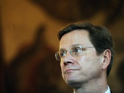 Außenminister Westerwelle reagierte auf das Angebot von Erika Steinbach zunächst zurückhaltend.