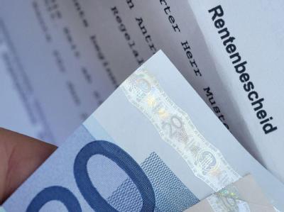 Die Kaufkraft der deutschen Rentner schwindet.