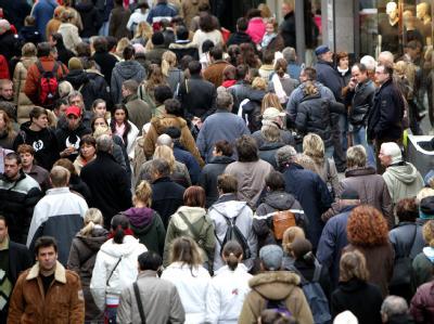 Deutschlands Einwohnerzahl sinkt weiter. (Archiv- und Symbolbild)