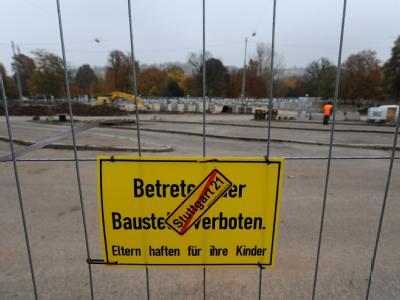 Nach Ansicht von Arbeitgeberpräsident  Dieter Hundt muss von dem Referendum «ein Signal für den Wirtschaftsstandort Deutschland und Baden-Württemberg ausgehen». Foto: Marijan Murat