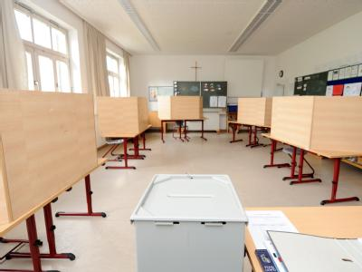 Leeres Wahllokal in einer Schule in Oberbayern.