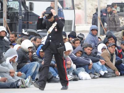Flüchtlinge auf Lampedusa. Langsam lässt der Flüchtlingsstrom aus Nordafrika nach.