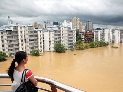 Schwere Unwetter haben in China mehr als 70 Menschen das Leben gekostet.