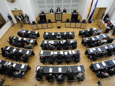 Der 14. Saarländische Landtag ist am 23. September in Saarbrücken zu seiner ersten Plenarsitzung zusammen.