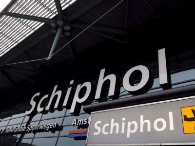 Der Eingang zum Flughafen Schiphol in Amsterdam.
