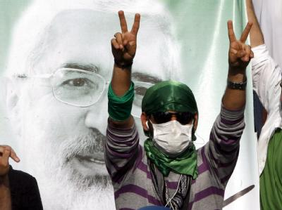 Die Gegner von Präsident Ahmadinedschad gehen weiter auf die Straße.