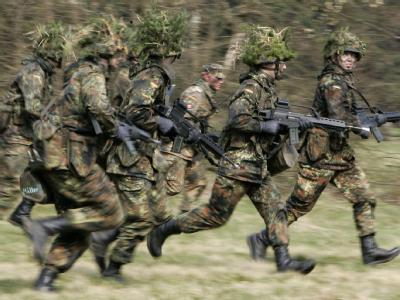 Nach dem Aussetzen der Wehrpflicht ist für die Bundeswehr die «Erschließung neuer Potenziale zur Personalgewinnung» erforderlich.