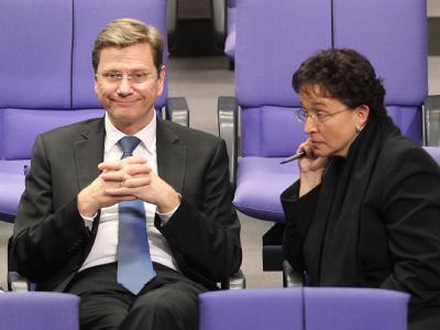 FDP-Chef Guido Westerwelle und die Fraktionschefin der Partei, Brigitte Homburger, während einer Debatte im Bundestag.