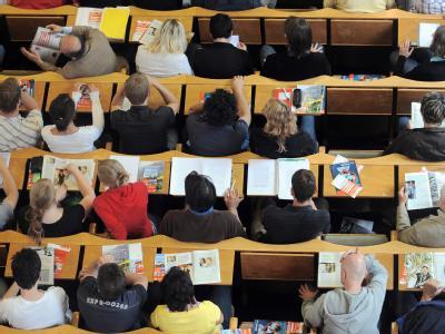 Kosten für ein Erststudium können unter bestimmten Umständen von der Steuer abgesetzt werden.