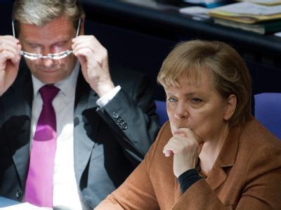 Kanzlerin Merkel (CDU) und Vizekanzler Westerwelle (FDP) am vergangenen Donnerstag im Bundestag in Berlin.