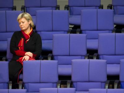 Die designierte Linkspartei-Chefin Gesine Lötzsch im Deutschen Bundestag.