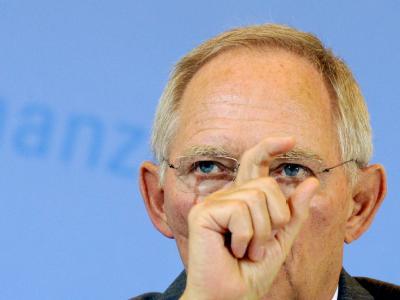 Der Etat-Entwurf von Finanzminister Schäuble sieht einen Rückgang der Neuverschuldung auf 27,2 Milliarden Euro vor.