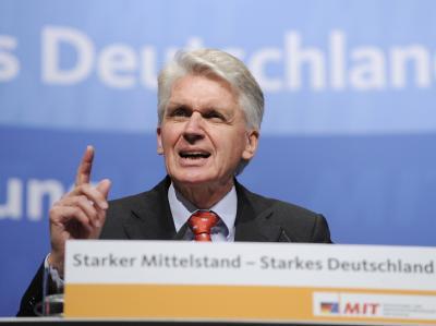 Der Chef der CDU/CSU-Mittelstandsvereinigung, Josef Schlarmann, sieht die Koalition aus Union und FDP in Gefahr.