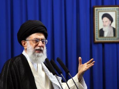 Ajatollah Ali Chamenei: «Es wird einen sehr harten Gegenschlag geben, wenn das Schwert gegen das System geführt wird.»