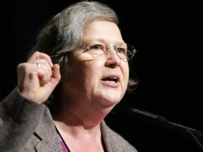 Bärbel Höhn wirft Kanzlerin Merkel vor, in Sachen Klimaschutz zu stark auf die Bremse zu treten.