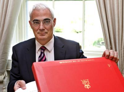 Großbritanniens Finanzminister Alistair Darling warnt vor einem Ende der Konjunkturprogramme.