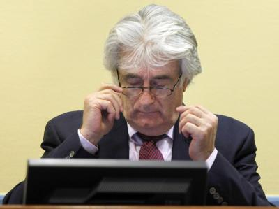 Radovan Karadzic am 3. November vor Gericht in Den Haag.