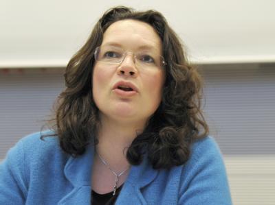 SPD-Generalsekretärin Nahles wirft der Bundesregierung «Klientelpolitik auf allen Ebenen» vor.