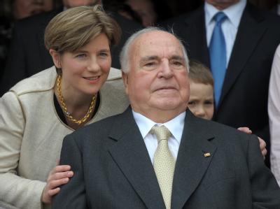 Altkanzler Helmut Kohl und seine Ehefrau Maike Kohl-Richter an Kohls 80. Geburtstag am 3. April.