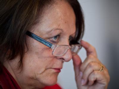 Bundesjustizministerin Leutheusser-Schnarrenberger will den Angehörigen mit Entschädigungszahlungen ein Zeichen der Solidarität geben. Foto: Jens Wolf