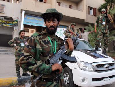 Gaddafi-treue Soldaten westlich von Tripolis. (Archivbild)