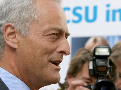 Der Vorsitzende der CSU-Landesgruppe im Bundestag, Peter Ramsauer.