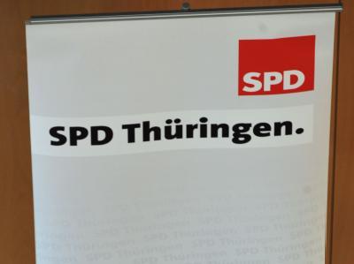 In der SPD in Thüringen gibt es Streit über die künftige Koalition im Land.