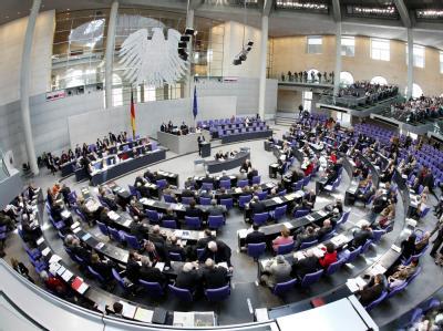 Zum Ende der Wahlperiode werden die Fraktionen von Union und SPD im Bundestag gleich groß sein.