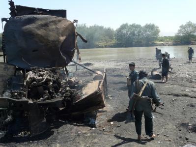 Luftangriff auf Tanklaster